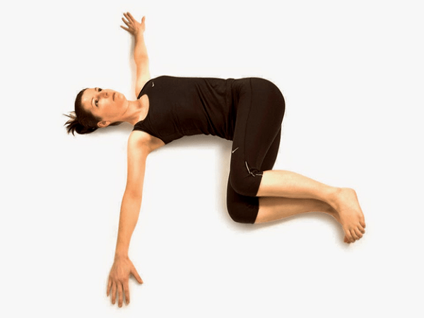 Скручивания согнутых ног