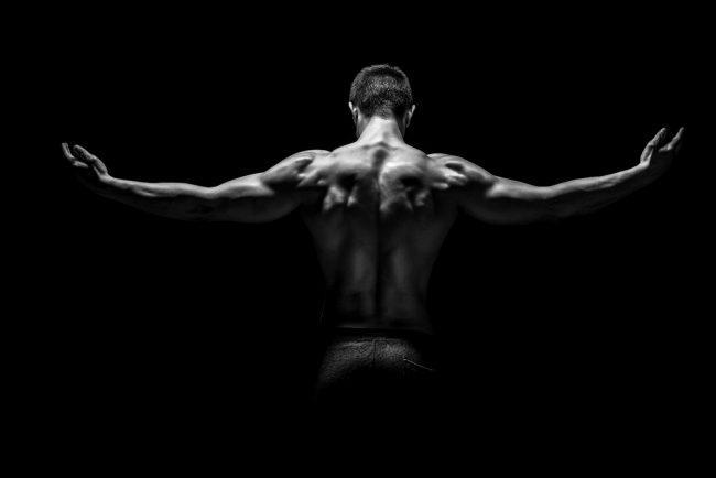 Как трапецевидные мышцы влияют на внешний вид спины