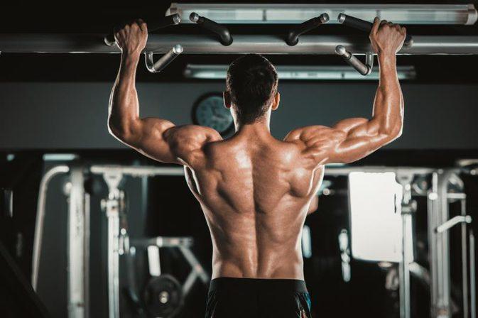 Качественные подтягивания, чтобы раскачать спину