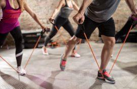 Упражнения с резиновым эспандером