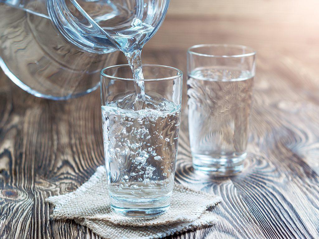 Сколько воды нужно употреблять для нормализации водно-солевого баланса