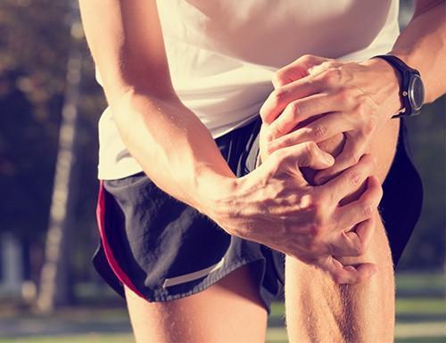 Причины болей в колени