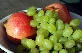 Диетологи объясняют, когда лучше есть фрукты