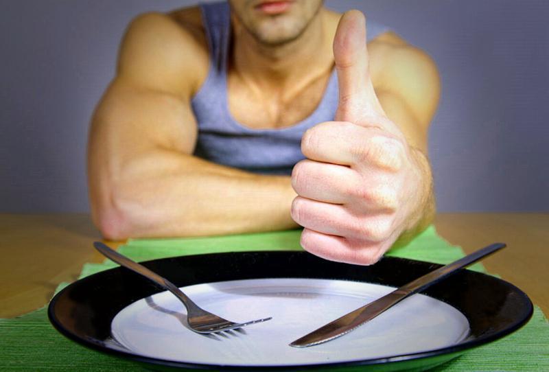 Я голодаю каждый день по 18 часов. Интервальное голодание.