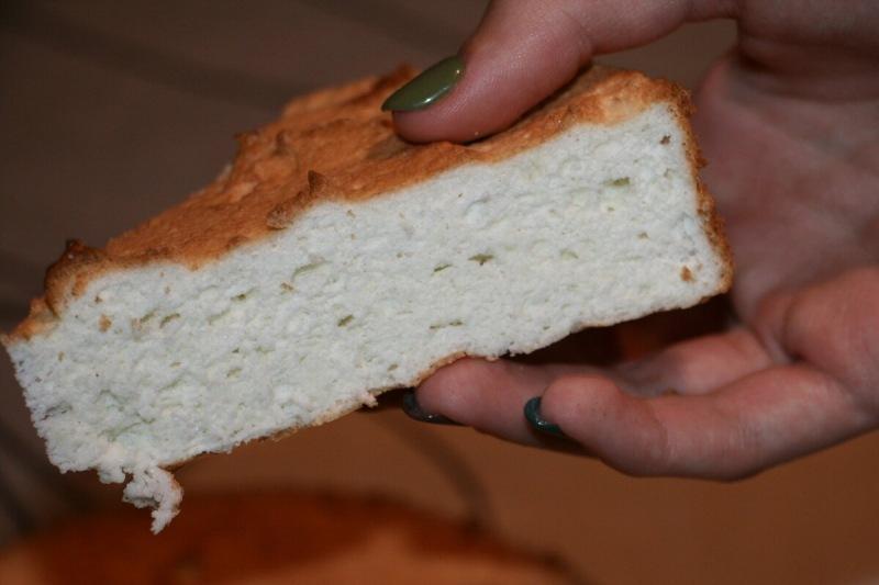 Белоснежный бисквит. Нежное лакомство, подойдёт тем, кто на диете