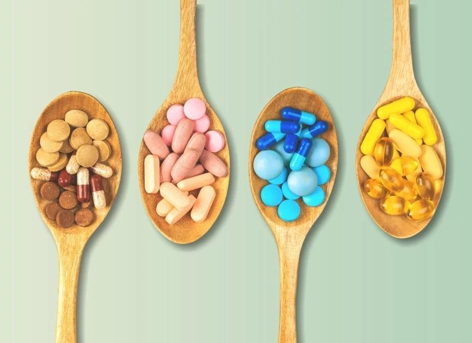 Кому нужно принимать витамины?