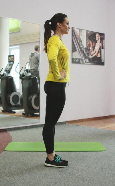 7 упражнений, которые помогут освободить пространство между бедрами