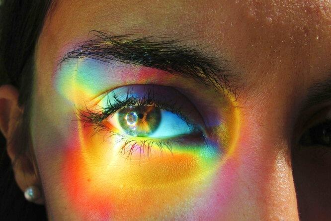 Решила сменить цвет глаз и чуть не ослепла: операция закончилась неудачей