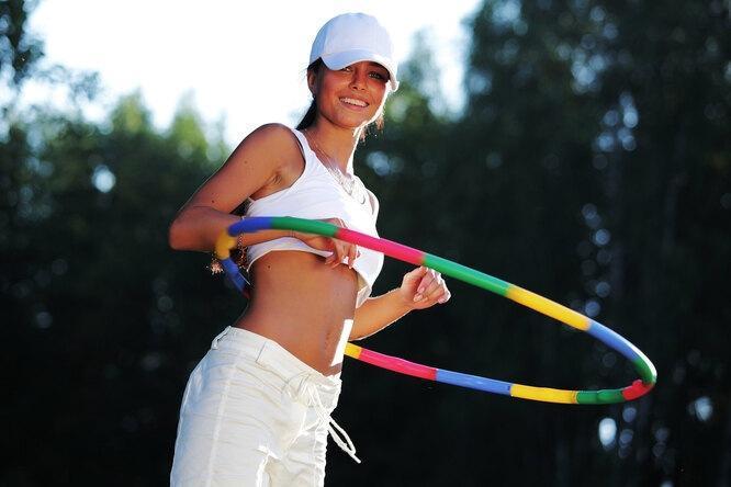 Поворачиваюсь и поворачиваюсь, хочу похудеть: сколько нужно повернуть круг для тонкой талии