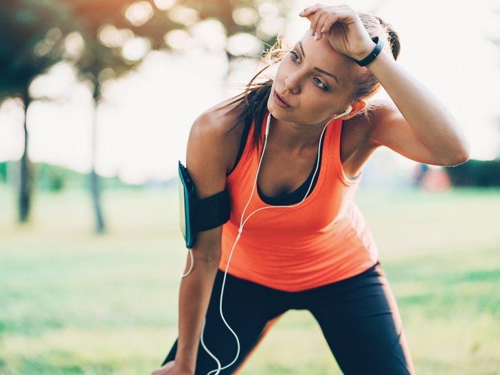 Опасный фитнес: 8 признаков того, что вы слишком много тренируетесь