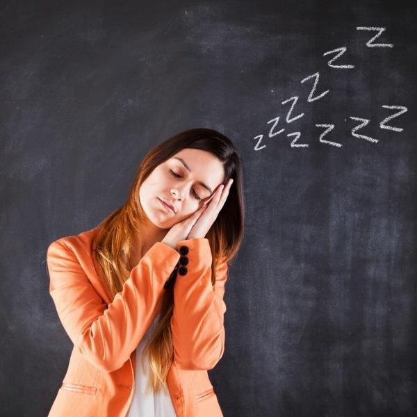 Почему люди с возрастом спят меньше?