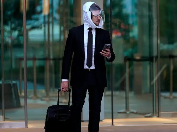 Забудьте о масках. Теперь вы можете купить шлем от коронавируса за 199 долларов